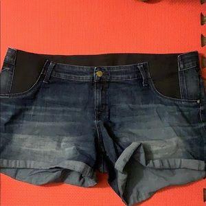 XXL maternity shorts
